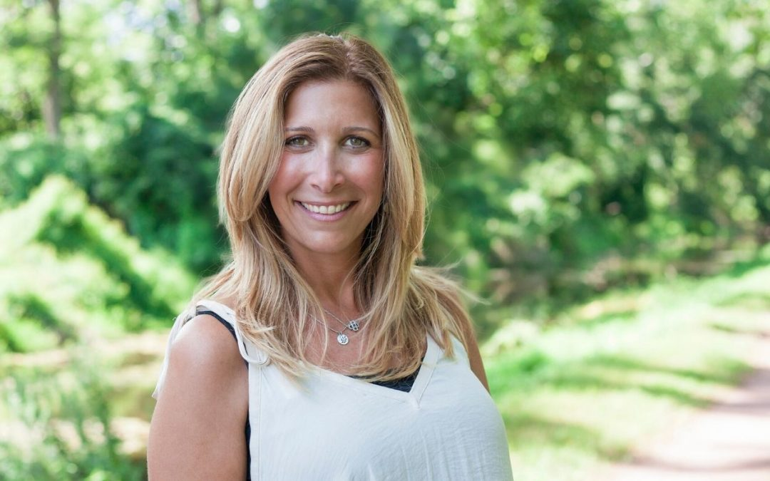 How to Stay Organized as Your Seasons Change (Interview with Laurie Palau)
