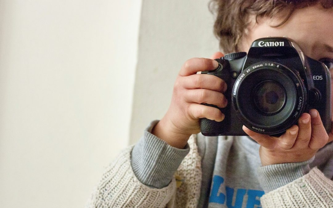 5 Tips For Sharing Your Photography Hobby With Your Kids